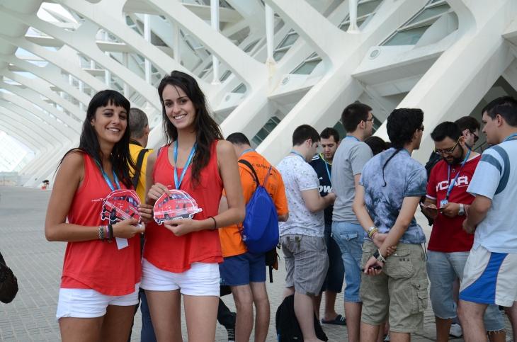 azafatas-flyer-furgocasa-hostalia-campus-party-2011-blog-jesus-marrone