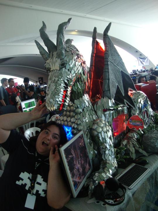 Dragon-de-Deborah-Ruiz-furgocasa-hostalia-campus-party-2011-blog-jesus-marrone